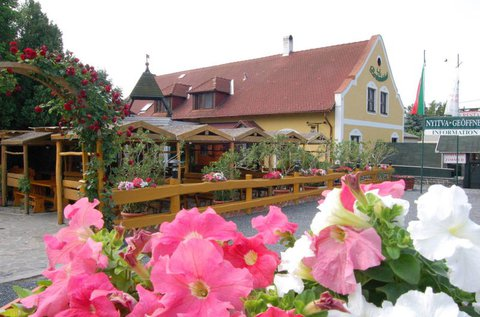 Téli-tavaszi borkóstoló a Badacsony lábánál