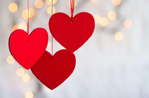 Valentin-napi csomag kézműves finomságokkal