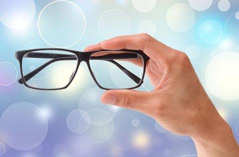 Egyfókuszú szemüveg készítése látásvizsgálattal