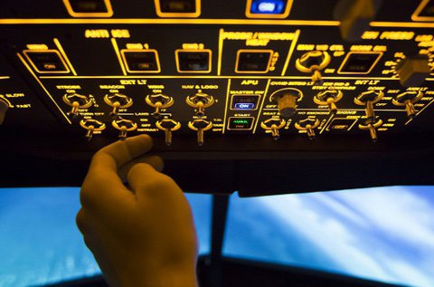 Boeing 737 repülőgép  vezetés szimulátorral