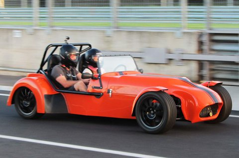 Lotus Super Seven Cabrio vezetés a Hungaroringen