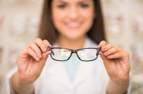 Kékfényszűrős szemüveg vékonyított lencsével