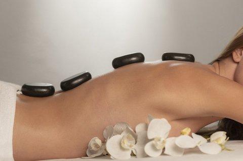 Testi-lelki megújulás 60 perc lávaköves masszázzsal