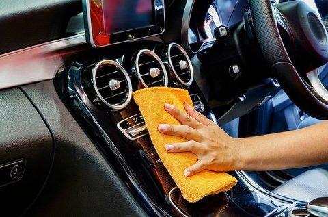 Személygépkocsi külső mosás és belső takarítás