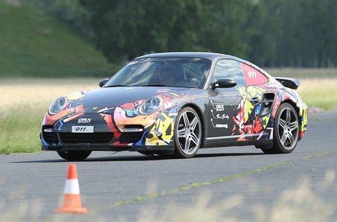 Gyorsulj Porsche 911 Turbóval 5 körön át!