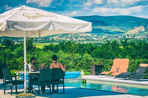 Borozós nyári hétvégék Tokaj-Hegyalján wellnesszel
