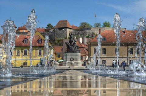 Felhőtlen napok Eger történelmi belvárosában