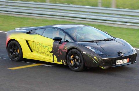 Száguldj egy Lamborghini Gallardo LP sportautóval!