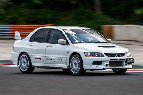 Vezess egy Mitsubishi Lancer EVO IX rallyautót!