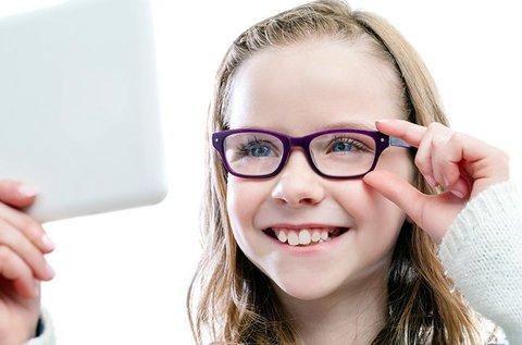 Gyerekszemüveg készítése UV védelemmel, kerettel
