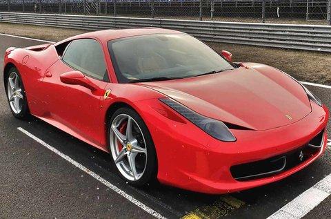 4 kör száguldás egy Ferrari 458 Italiával