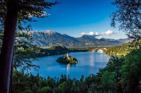 Üdítő kikapcsolódás a festői Bledi-tónál