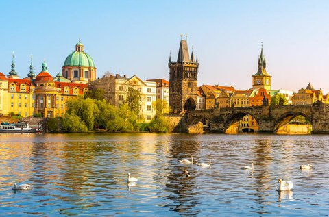 Barangolás a száztornyú városban, Prágában