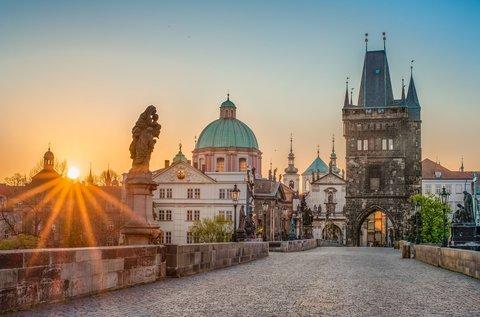 Felhőtlen pihenés a csodás Prágában, hétvégén is