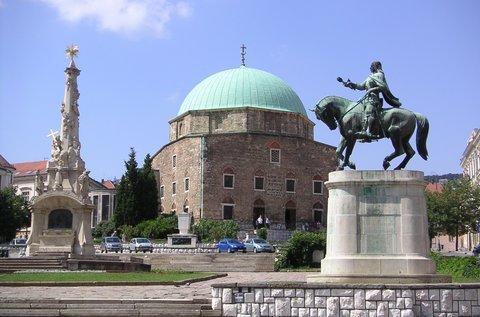 Kellemes kikapcsolódás a történelmi Pécsen