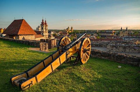 Kellemes kikapcsolódás az Egri vár mellett