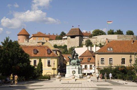 Családi feltöltődés Eger barokk belvárosában