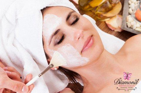 Ragyogó arcbőr teljes körű tisztító kezeléssel