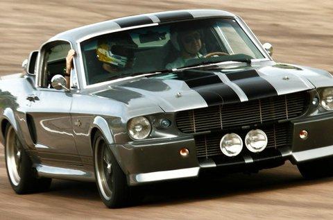 Ford Mustang Shelby GT500 Eleanor vezetés