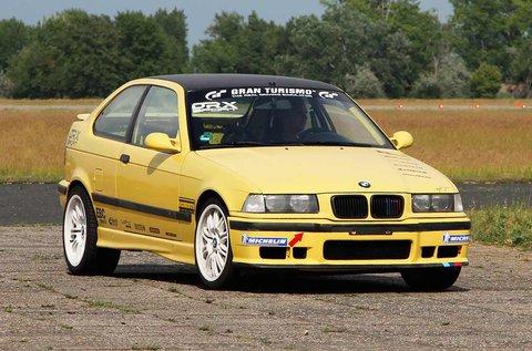 Vezess egy BMW M Compact autót rallypályán!