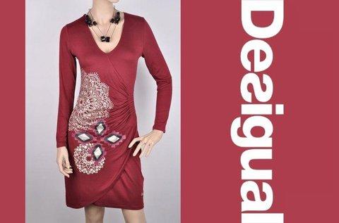 Csinos, előnyös fazonú Desigual ruha