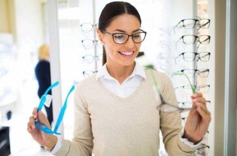 Komplett szemüveg 1,5-ös normál lencsével