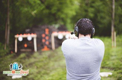 70 lövés 8 féle különleges fegyverrel