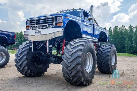 Élményvezetés Ford F150 Blue Buffalo Monsterrel