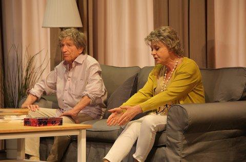 Válaszfalak című előadás a Belvárosi Színházban