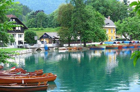 Pihenjetek a festői Bledi-tónál!