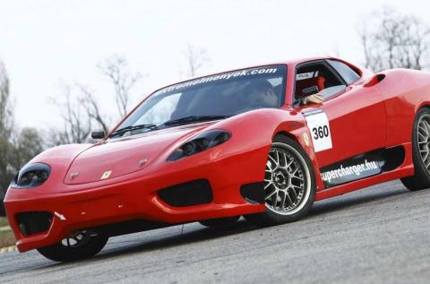 Száguldj egy Ferrari 360 Replika versenyautóval!