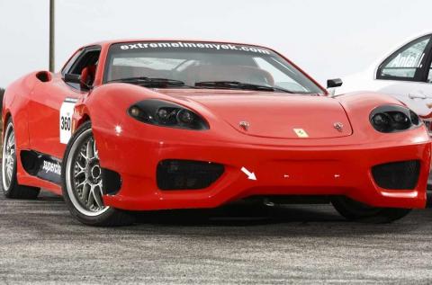 5 körös vezetés egy Ferrari 360 Replikával