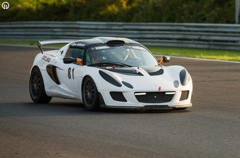 3 körös vezetés egy Lotus Exige versenyautóval