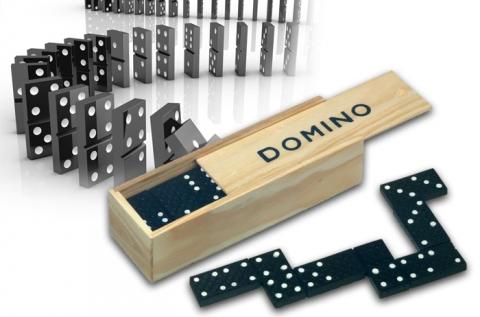 Klasszikus 28 részes dominó játék fa dobozban