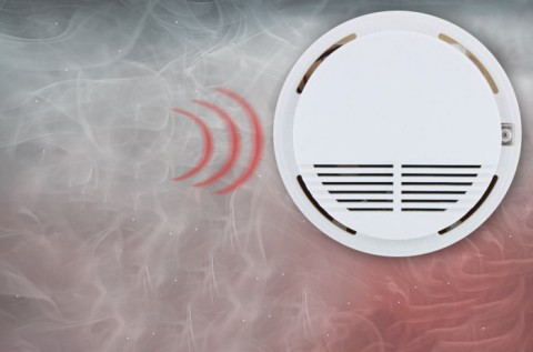 Füstérzékelő hangos, 85 dB-es hangjelzéssel