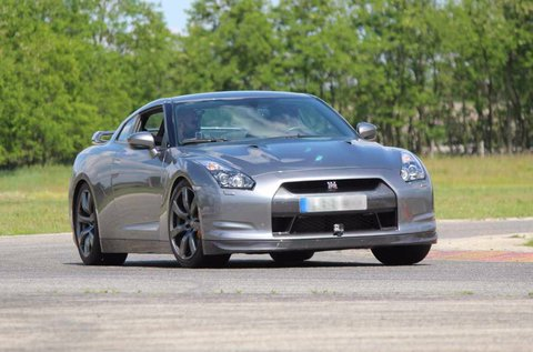 Nissan GTR vezetés a Hungaroringen 4 körön át