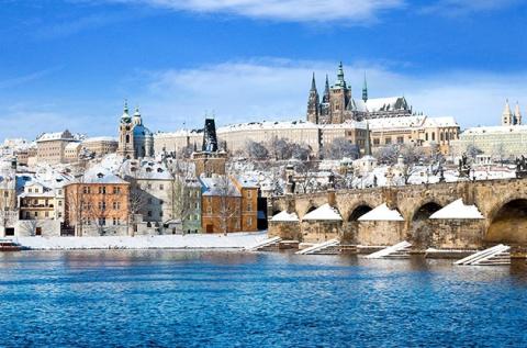 Adventi kiruccanás a karácsonyi vásárra, Prágába