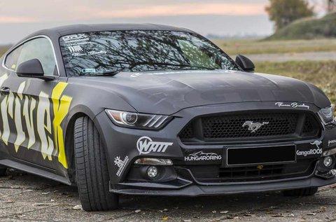 Ford Mustang GT autóvezetés 2 körön át