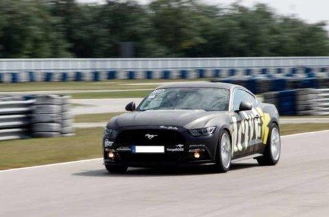 2 körös Ford Mustang GT vezetés