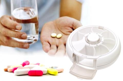 Day by day 7 rekeszes forgó gyógyszeradagoló