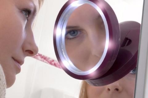Pretty U nagyítós kozmetikai tükör beépített LED-del