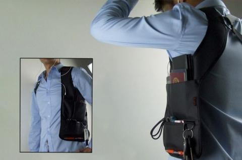 Praktikus vállra és hátra rögzíthető rejtett táska