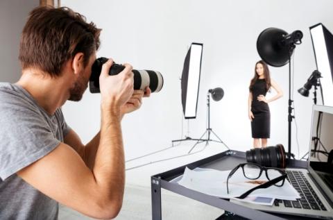 Stúdió- vagy szabadtéri fotózás választható témában