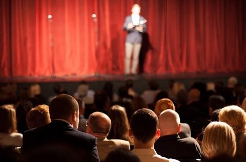 4 választható előadás a Spirit Színházban