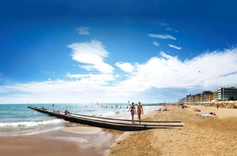 Egész napos fürdőzés 1 főnek az olasz tengerparton
