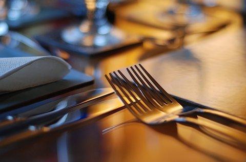 2 órás Rejtélyes Vacsora logikai társasjáték