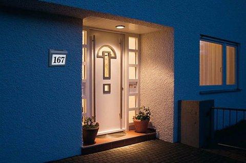 Napelemes LED-es házszámtábla