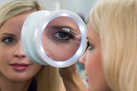 Kozmetikai nagyító tükör LED megvilágítással