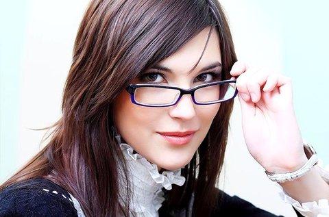 Egyfókuszú, dioptriás szemüveg Essilor lencsével
