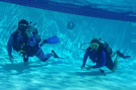 Próbamerülés védett vízben pároknak